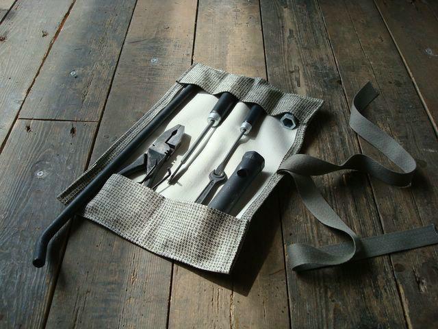 tableau de bord trousse a outils vw. Black Bedroom Furniture Sets. Home Design Ideas