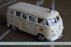 ambulancebusmodel_1